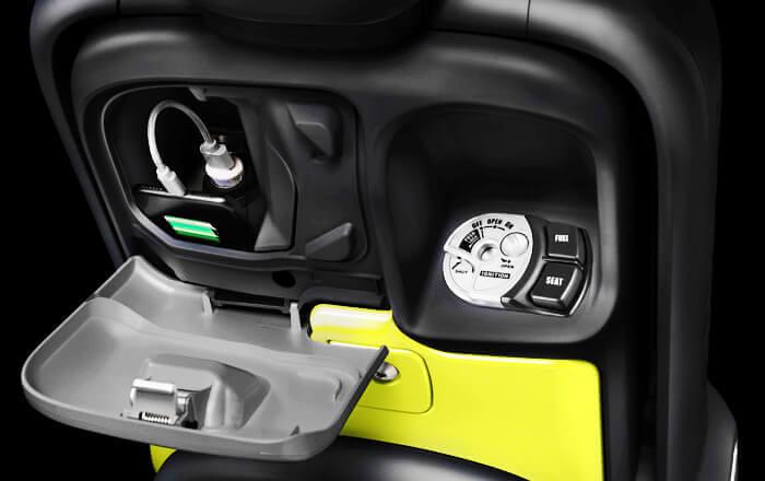 ยามาฮ่า คิวบิกซ์ 2019 ช่องต่อชาร์จไฟแบบรถยนต์