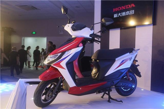 Honda D8E