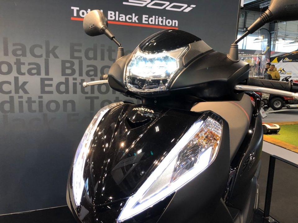 ฮอนด้า SH300i Black Edition 2020 ไฟหน้า