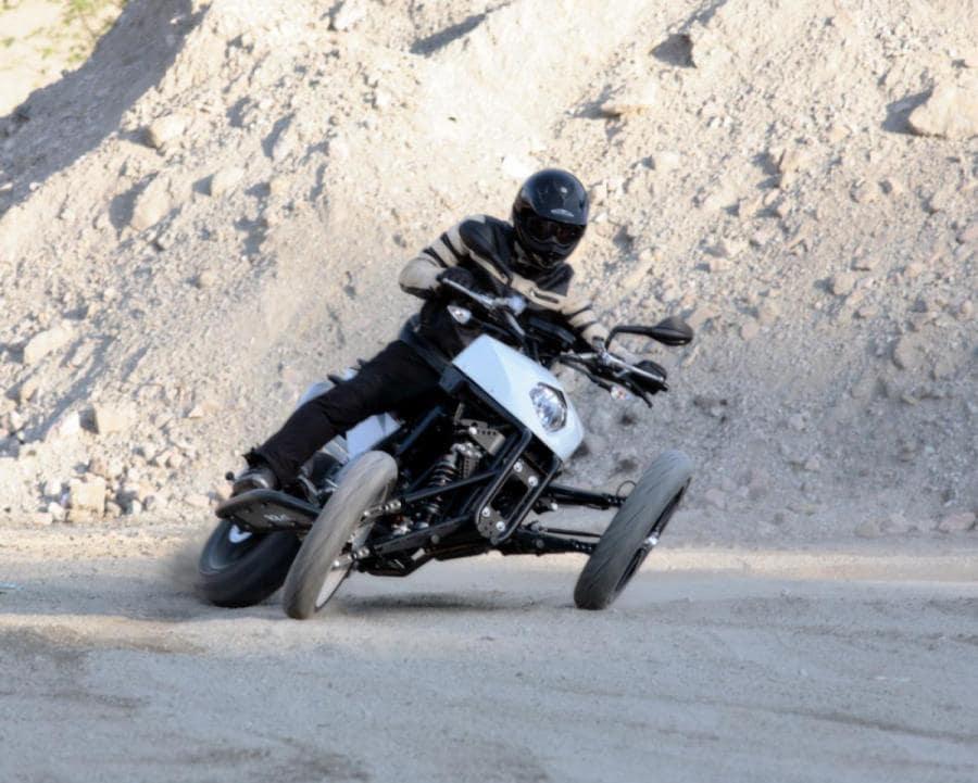 Brudeli ที่ใช้ KTM คล้ายกับสิทธิบัตร Yamaha ใหม่ ซึ่งยามาฮ่าซื้อสิทธิ์ในการออกแบบนี้กลับมาในปี 2019