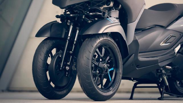 Tricity 300 scooter ช่วงล้อ
