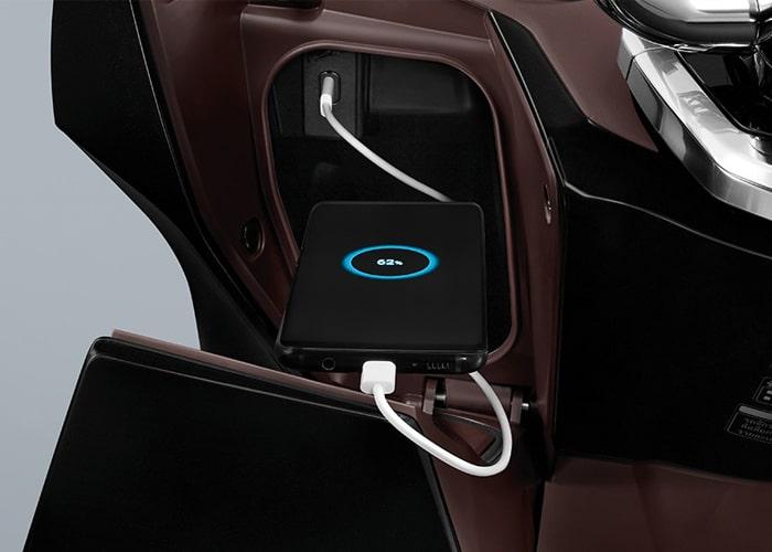 Honda PCX160 2021 ช่องชาร์จ USB ด้านหน้า