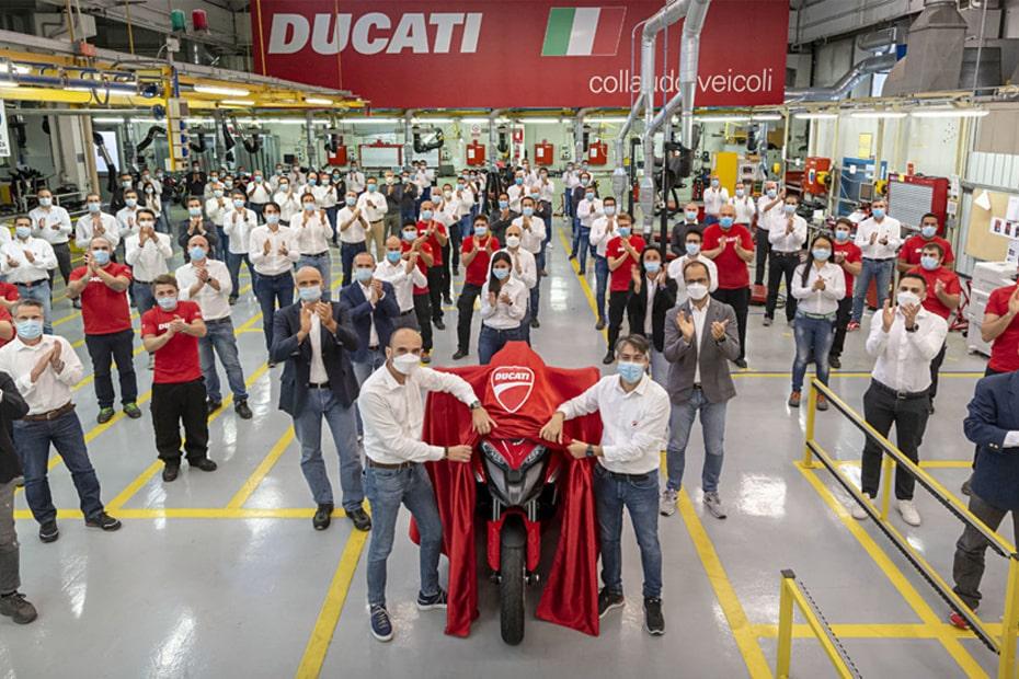 เริ่มการผลิต Ducati Multistrada V4 2021 รถจักรยานยนต์คันแรกพร้อม Radar Tech