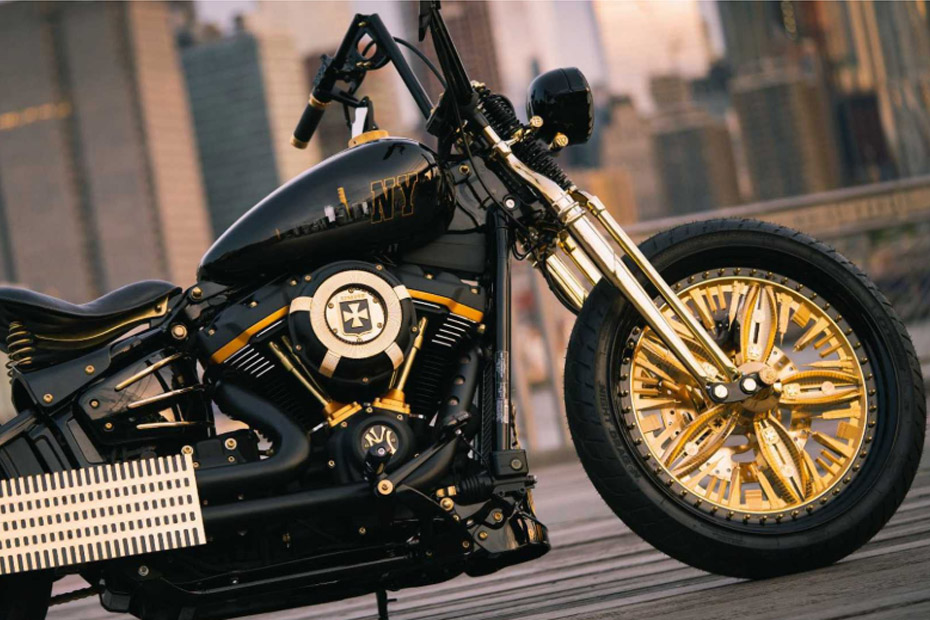 แปลงโฉม Harley Street Bob เป็น New York-Rzeszow โดย Game Over Cycles