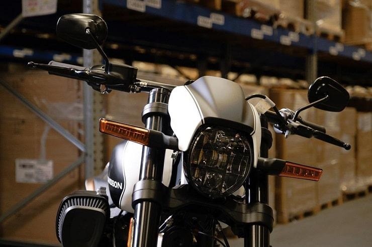 ไฟหน้า Harley Softail FXDR รุ่นพิเศษ