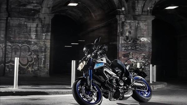 Yamaha-MT-09-ABS-21