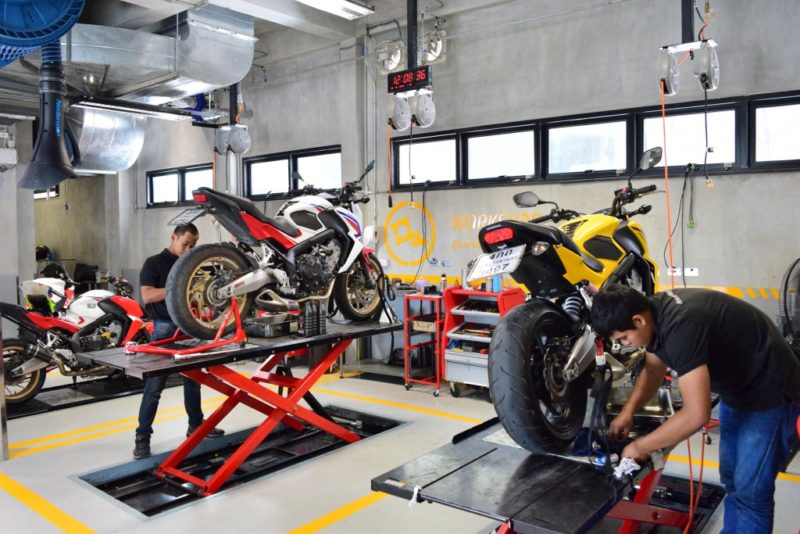 2015-Honda-Bigwing-Rama3-5