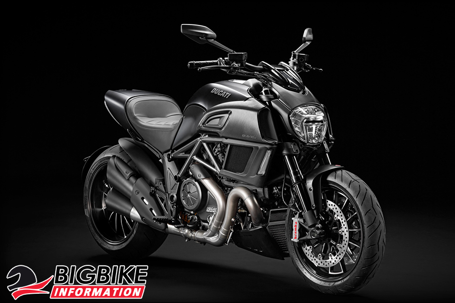 ภาพ Ducati Diavel สีดำ ด้านหน้า