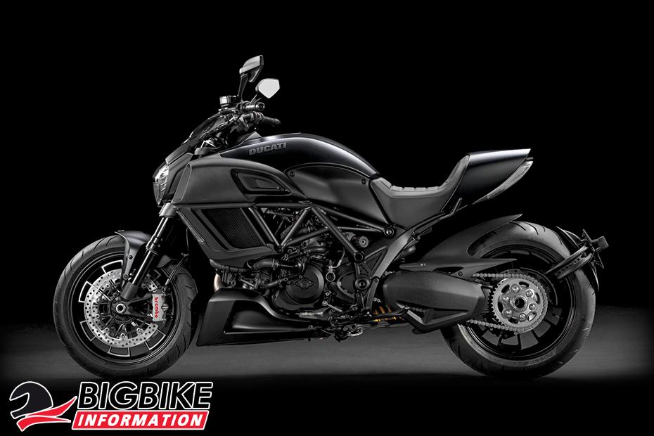 ภาพ Ducati Diavel สีดำ ด้านข้าง