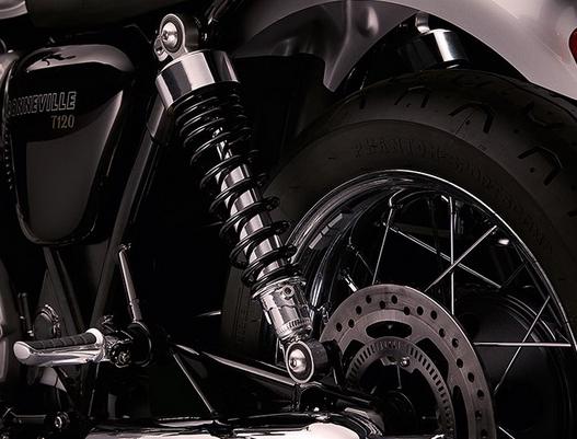 ระบบกันสะเทือนด้านหน้าแบบ Kayaba 41mm cartidge forks, 120mm travel ระบบกันสะเทือนด้านหลังแบบ Kayaba twin shocks with adjustable preload, 120mm rear wheel travel