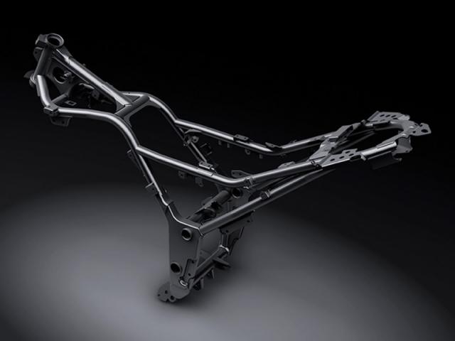 โครงสร้างตัวถังรถเป็นแบบท่อเหล็กไดมอนด์ ให้น้ำหนักที่เบาและยังแข็งแกร่ง ทนทาน