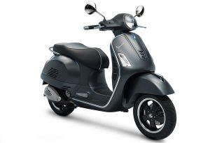 Vespa GTS Super 300 ABS สีดำ