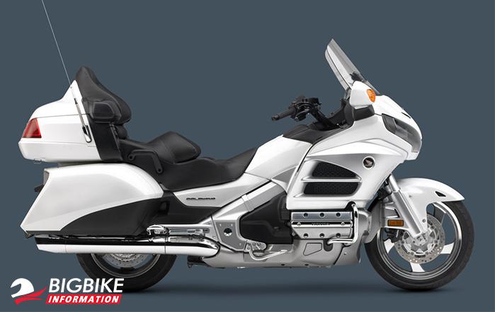ภาพ Honda Goldwing GL1800F สีขาว ด้านข้าง