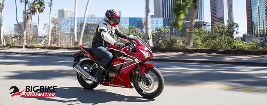 ภาพ Honda CB150R สีแดง