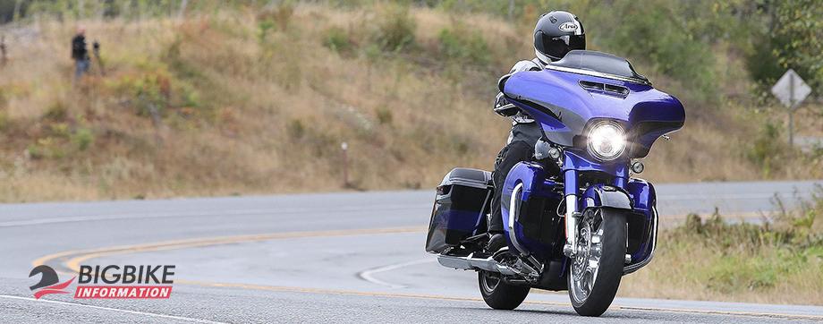 ภาพ Harley Davidson CVO STREET GLIDE สีน้ำเงิน