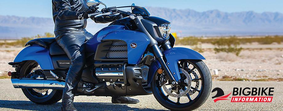 ภาพ Honda Goldwing F6C สีน้ำเงิน