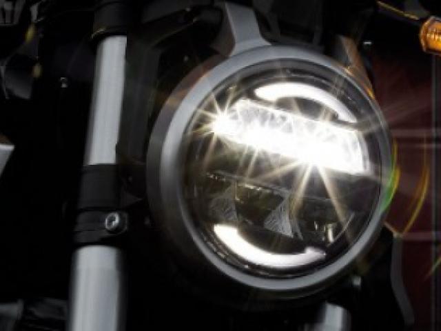 ไฟหน้า LED