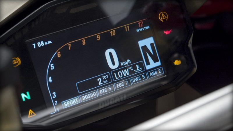 หน้าปัดเรือนไมล์แบบ ดิจิตอล FULL LCD DISPLAY