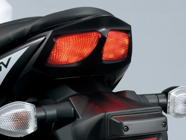 ไฟท้ายแบบ INTEGRATED – TWIN LED