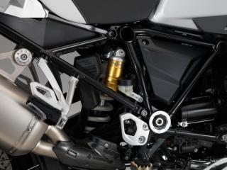 ระบบกันสะเทือนด้านหลังเป็นแบบ สวิงอาร์มอลูมิเนียมด้านเดียว BMW MOTORRAD PARALEVER;WAD โช้ค HANDWHEEL, REBOUND DAMPING สามารถปรับได้