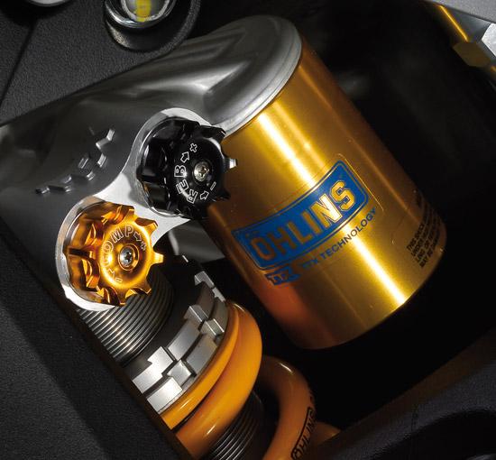 ระบบกันสะเทือนด้านหลังแบบ โมโนช๊อค ปรับความแข็งสปริง PRELOAD DAMPING ระยะยุบตัว 120 มม.