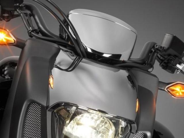 ไฟเลี้ยวใช้ไฟเป็นแบบ LED ทั้งหน้าและหลัง