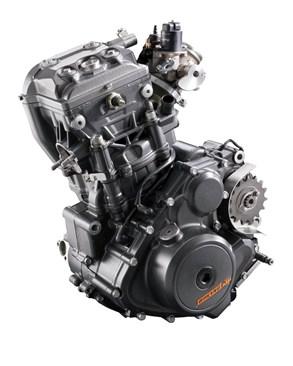 เครื่องยนต์ สูบเดียว 2 วาล์ว DOHC ขนาดเครื่องยนต์ที่ให้มาขนาด 249 ซีซี