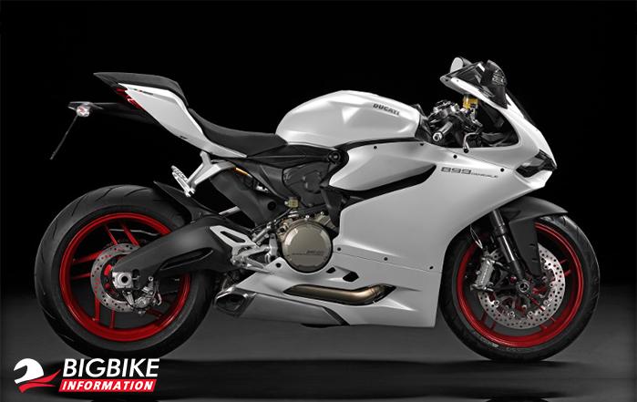 Ducati 899 Panigale สีขาวด้านข้าง