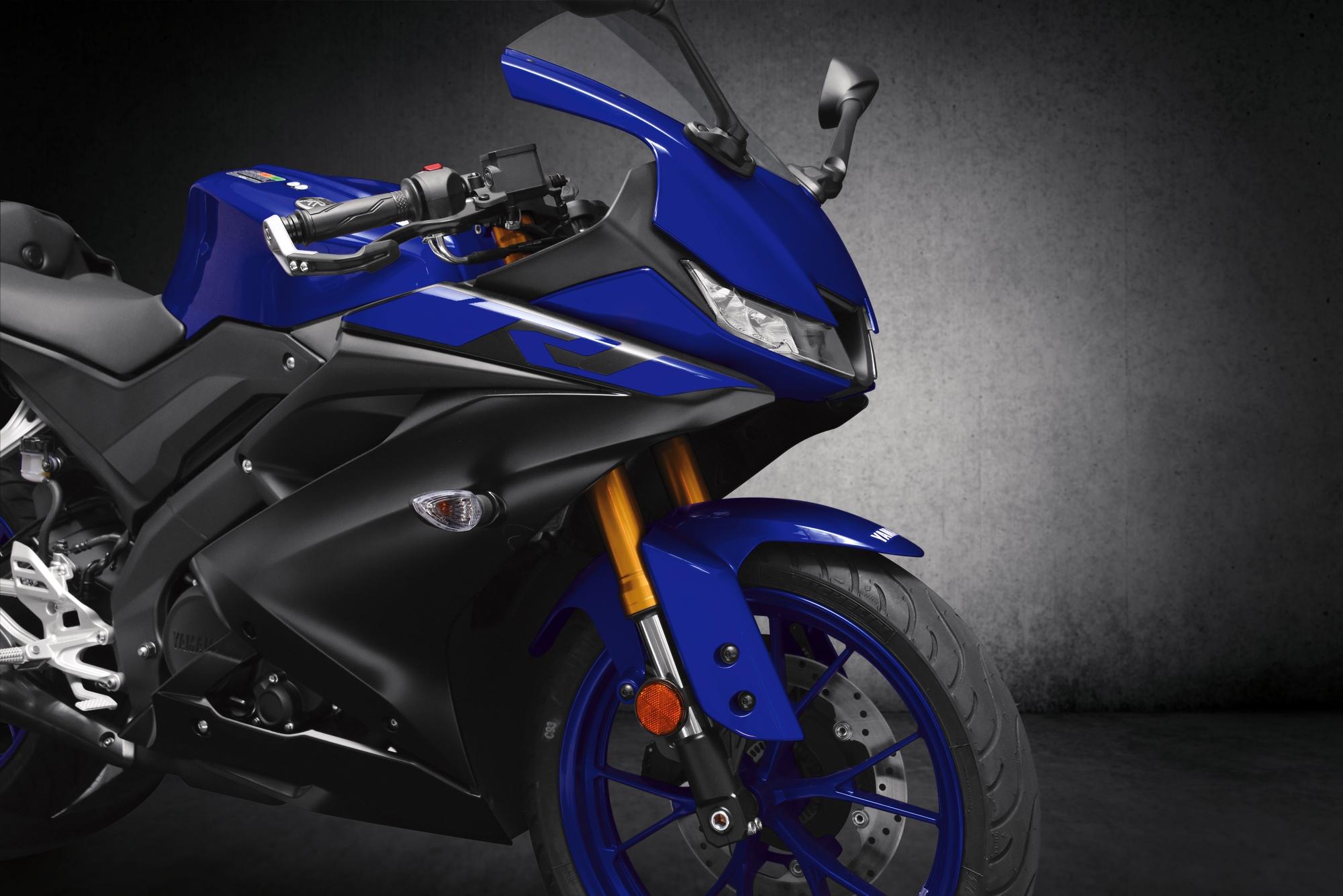 รูปทรงถอดแบบมาจาก Yamaha YZF-R15 2017