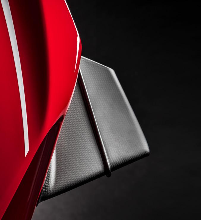 ปีกคาร์บอนใหม่ ในเจ้า Ducati Panigale V4 R