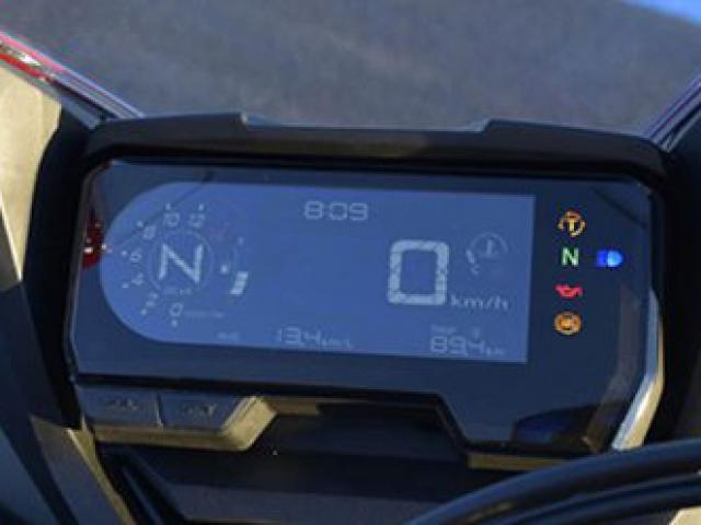 หน้าปัดเรือนไมล์ใหม่ LCD มัลติฟังชั่น