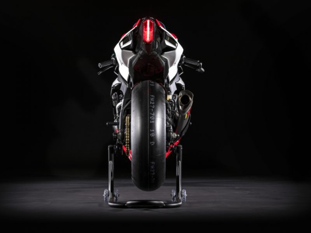 ท้าย Yamaha YZF R1 GYTR 2019