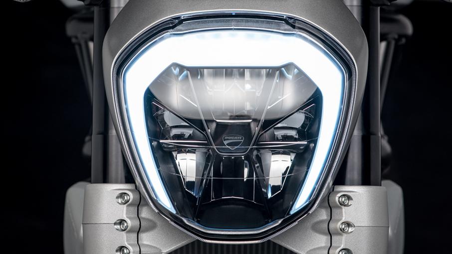 ไฟหน้า Ducati XDiavel