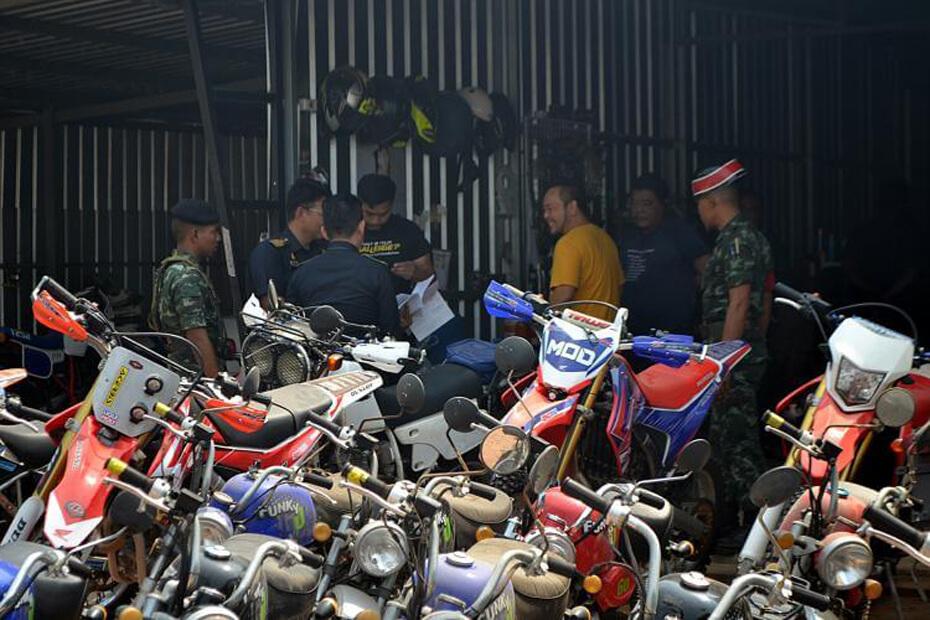 สรรพสามิตตรวจสอบบิ๊กไบค์เลี่ยงภาษี กลางเมืองราชบุรี