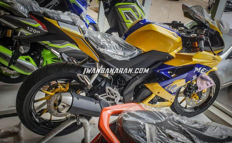 Yamaha YZF-R15 ปี 2019 ช่วงด้านข้าง