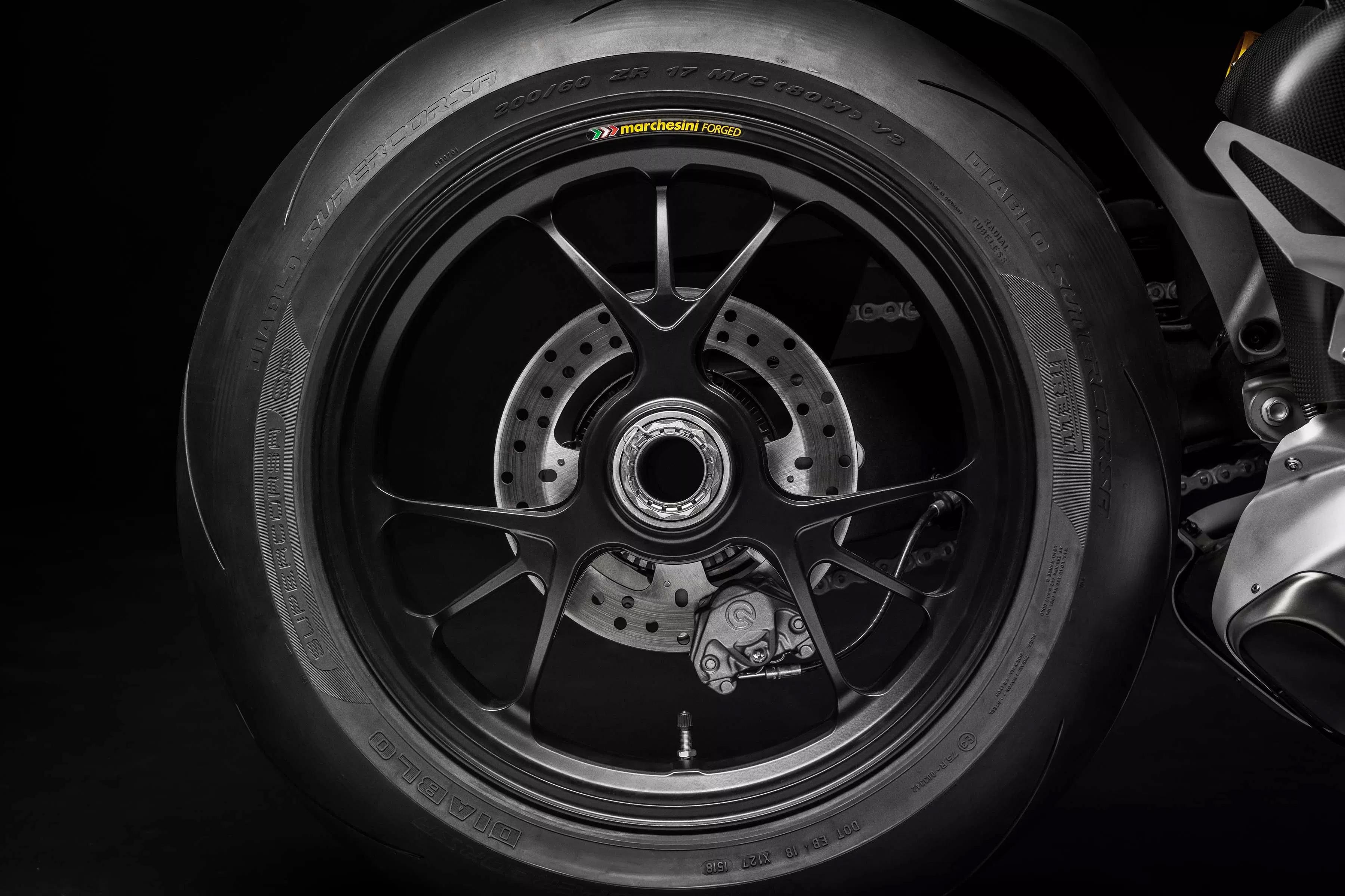 ล้อ Marchesini ของ Ducati Panigale V4R