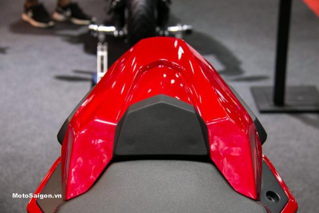 นิว ฮอนด้า ซีบีอาร์650อาร์ ครอบเบาะท้าย สีแดง
