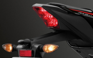 Yamaha YZF-R15 2019 ไฟท้าย LED