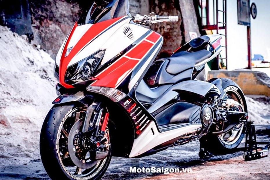 จะเป็นอย่างไรเมื่อ Yamaha TMax 500 ท้ายรถเวอร์ชั่น R1