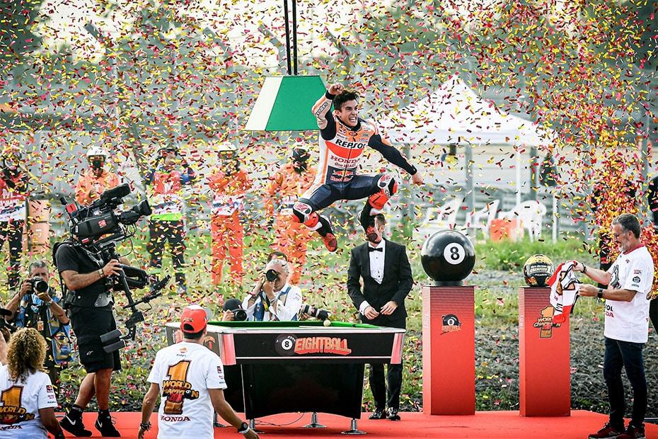 Marc Marquez คว้าแชมป์โลก MotoGP บนแผ่นดินไทย ณ สนามช้าง อินเตอร์เนชั่นแน เซอร์กิต ครองแชมป์สมัย 8 ให้กับตัวเอง