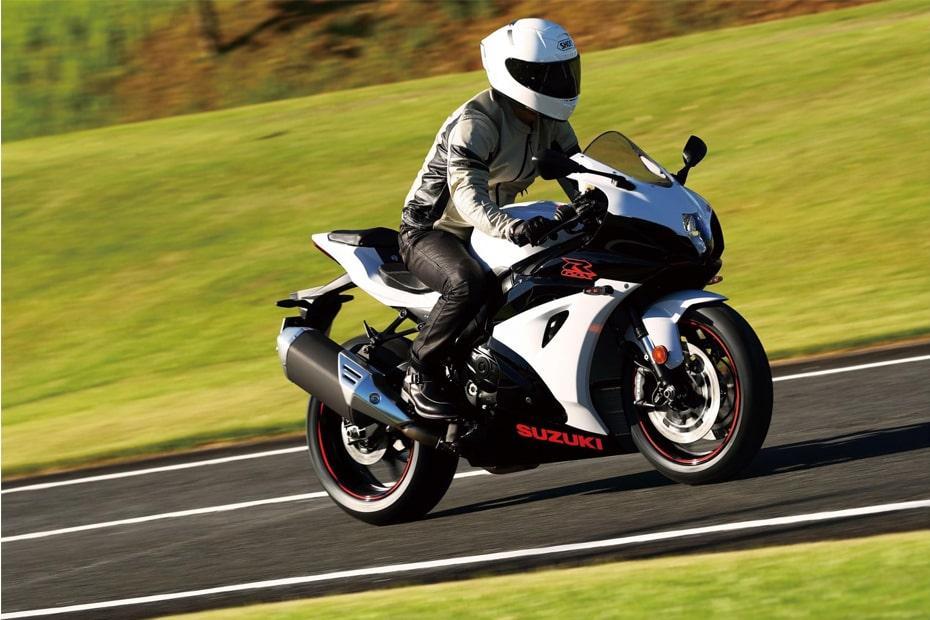 การออกแบบ Suzuki GSX-R1000 2020 ที่ทันสมัยและเครื่องยนต์ที่ทรงพลัง