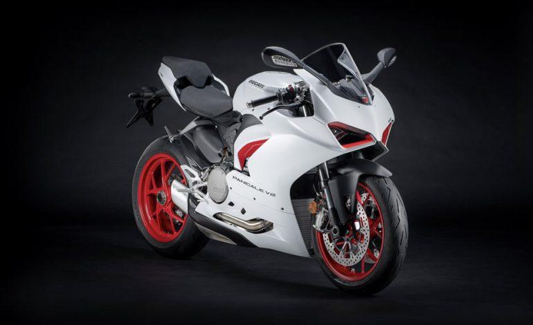 เปิดตัว Ducati Panigale V2 สี White Rosso ในมาเลเซียแล้ว 2 คัน