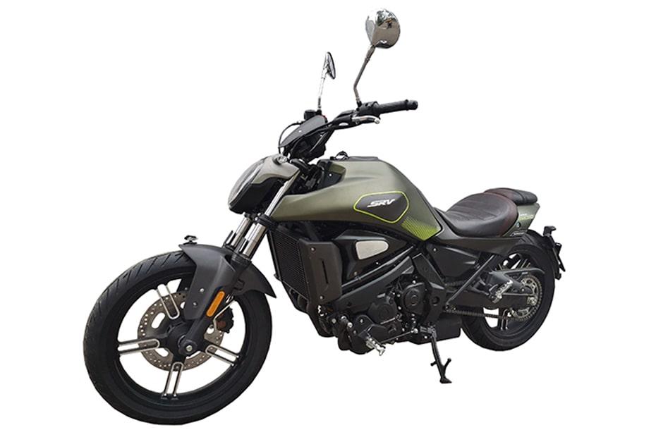 ภาพจักรยานยนต์ QJMotor SRV500 การออกแบบที่คล้าย Benelli 502C