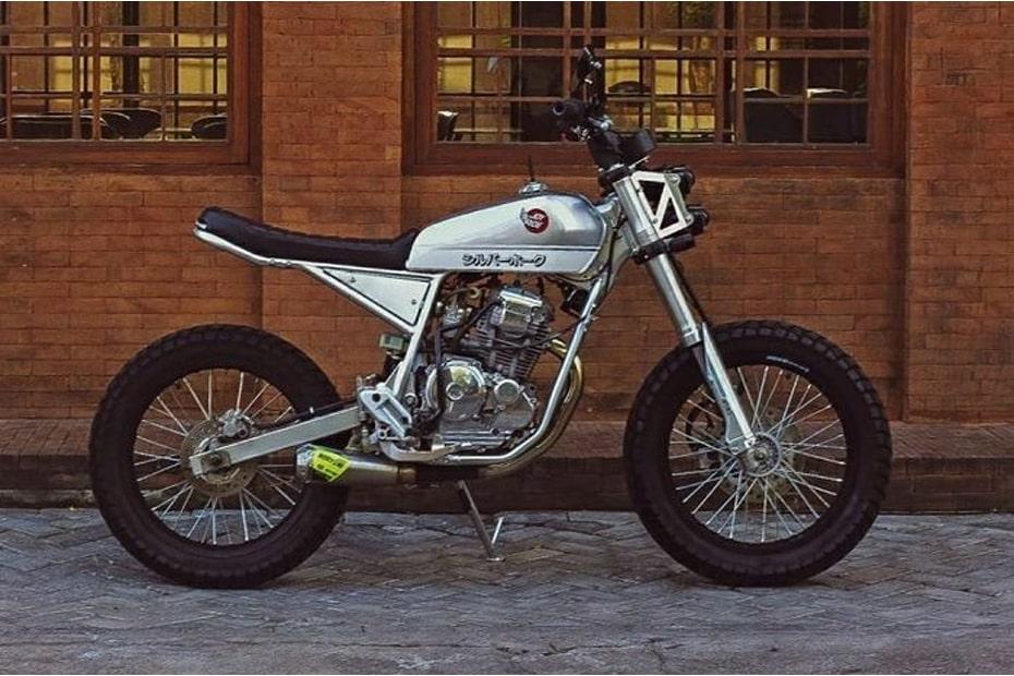 ดัดแปลง Yamaha Scorpio Z Flow Street Tracker ซึ่งเป็นแรงบันดาลใจจากซีรี่ส์การ์ตูน Jadul Silverhawk