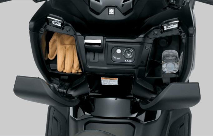 Suzuki Burgman 400 ABS 2020 ช่องเก็บของด้านหน้า