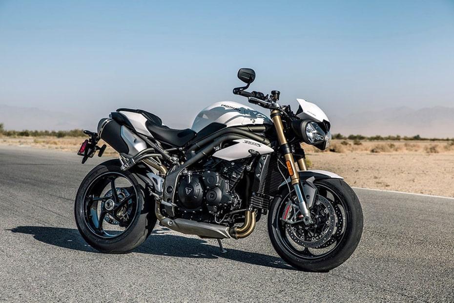 คาด New Triumph Speed Triple 2021 อาจมาพร้อมเครื่องยนต์ 1200 ซีซี