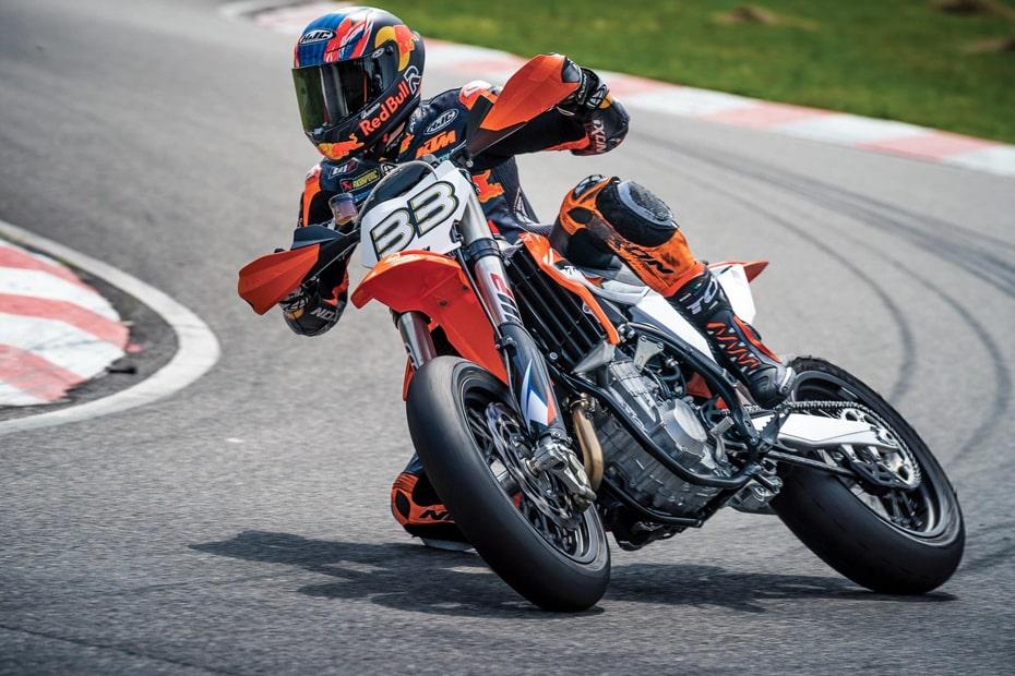 KTM เตรียมพัฒนา 450 SMR 2021 รุ่นตำนานเป็นเวอร์ชั่นใหม่ในอนาคต